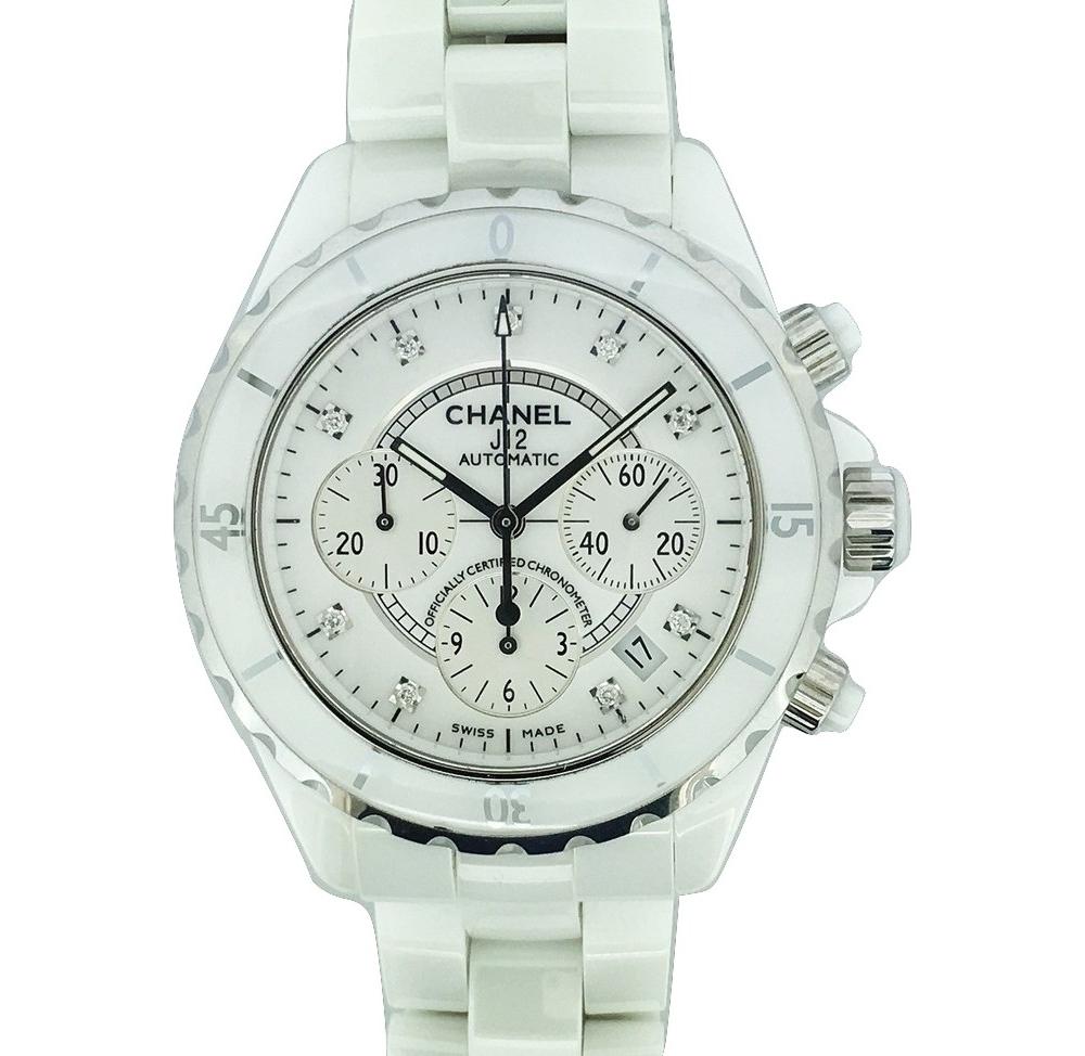 Montre occasion Chanel J12  Chronographe automatique.